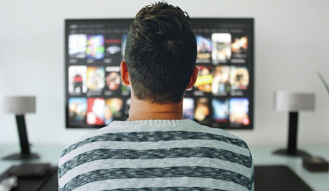 13 Apps to Watch Movies and Series Online